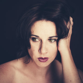 unsure-woman-www-flickr-com_-photosthroughtamseyes13679835304